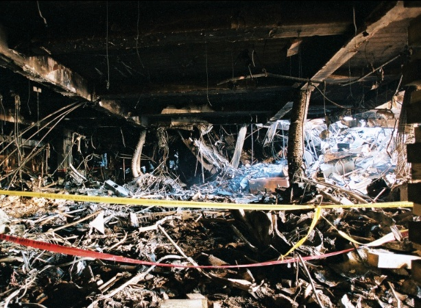 11 9 photos pentagone for Interieur boeing 757